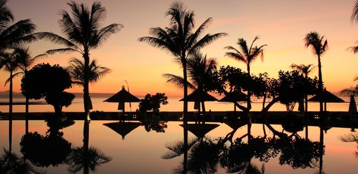 Bali by Night da Seminyak a Uluwatu tra bar e beach club