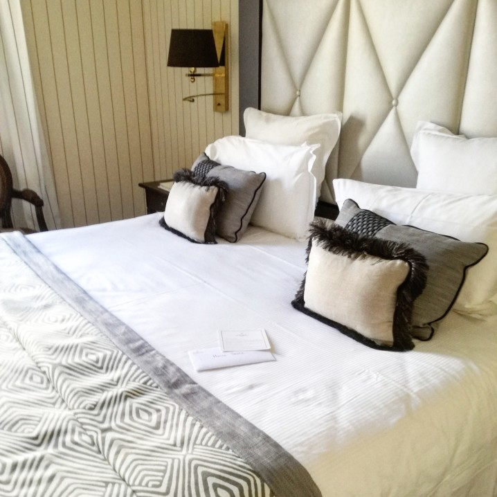 cannes-stanza-hotel-barriere-lemajestic