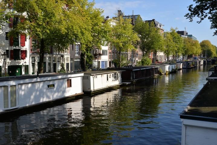 vacanza-barca-fiumi-houseboat-amsterdam