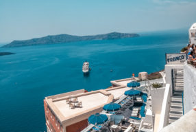 Dove dormire a Santorini: Oia, Fira o Kamari