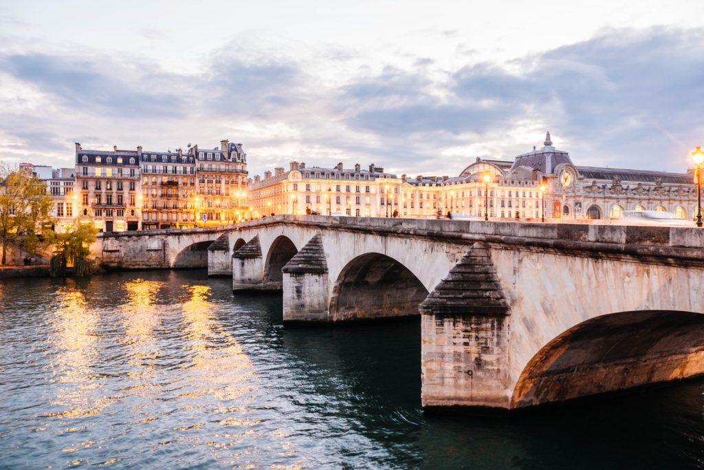 parigi-itinerario-battello-tramonto