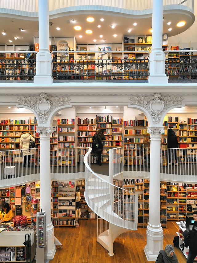 librerie-più-belle-al-mondo-bucarest